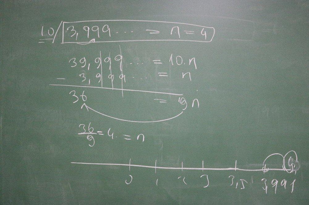 Diyarbakırlı Matematik Öğretmeni, Sayı Doğrusundaki Sayılar Arasında Boşluklar Olduğunu İddia Etti