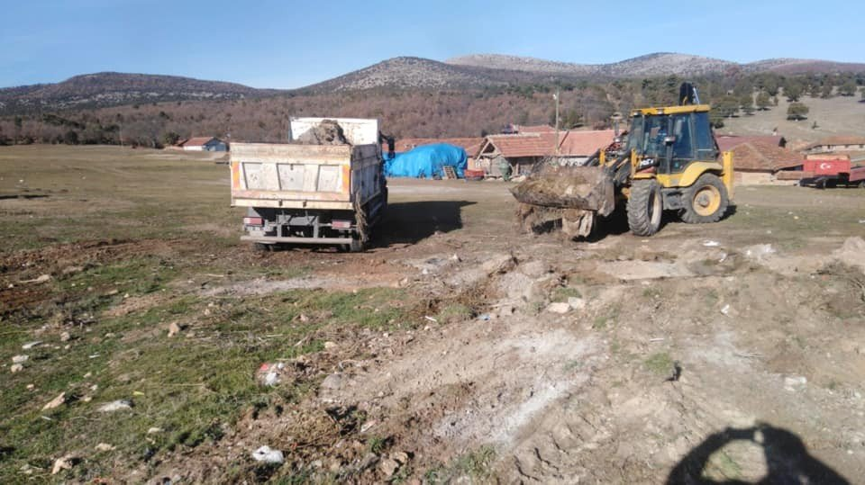 Dumlupınar'da Moloz Ve Hafriyat Temizliği