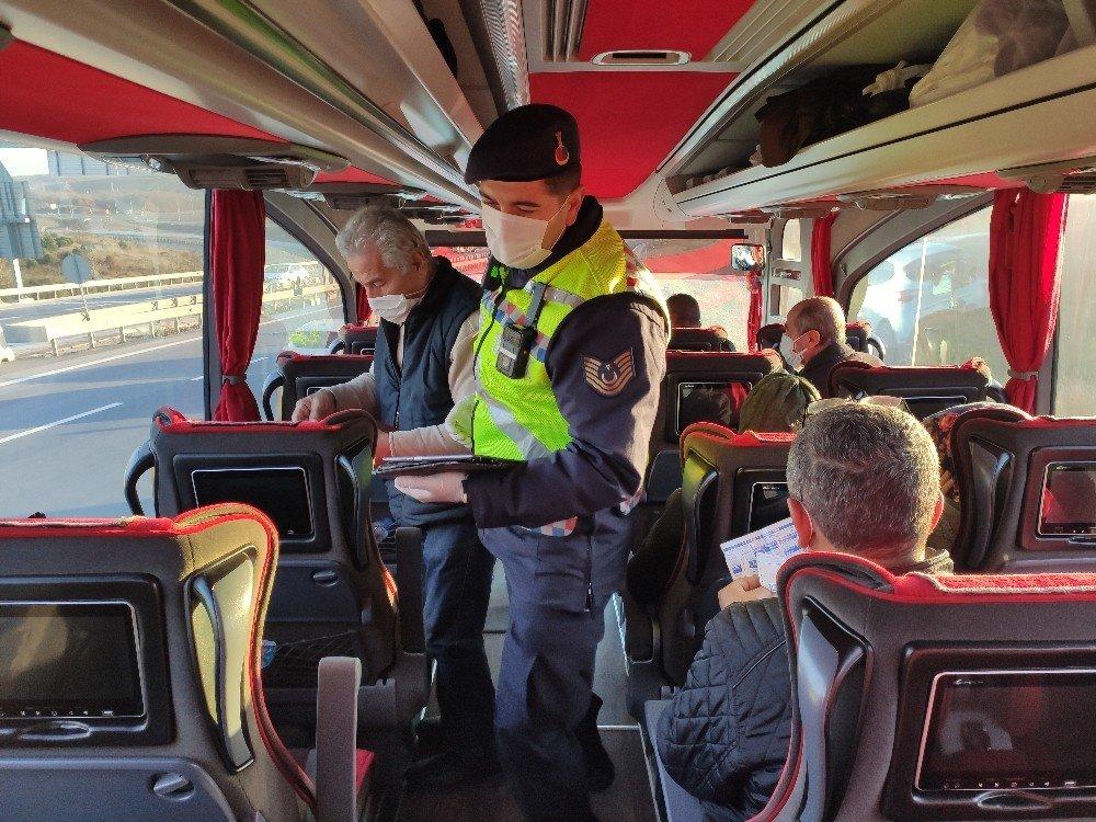 Jandarma Şehirlerarası Toplu Taşıma Araçlarını Denetledi