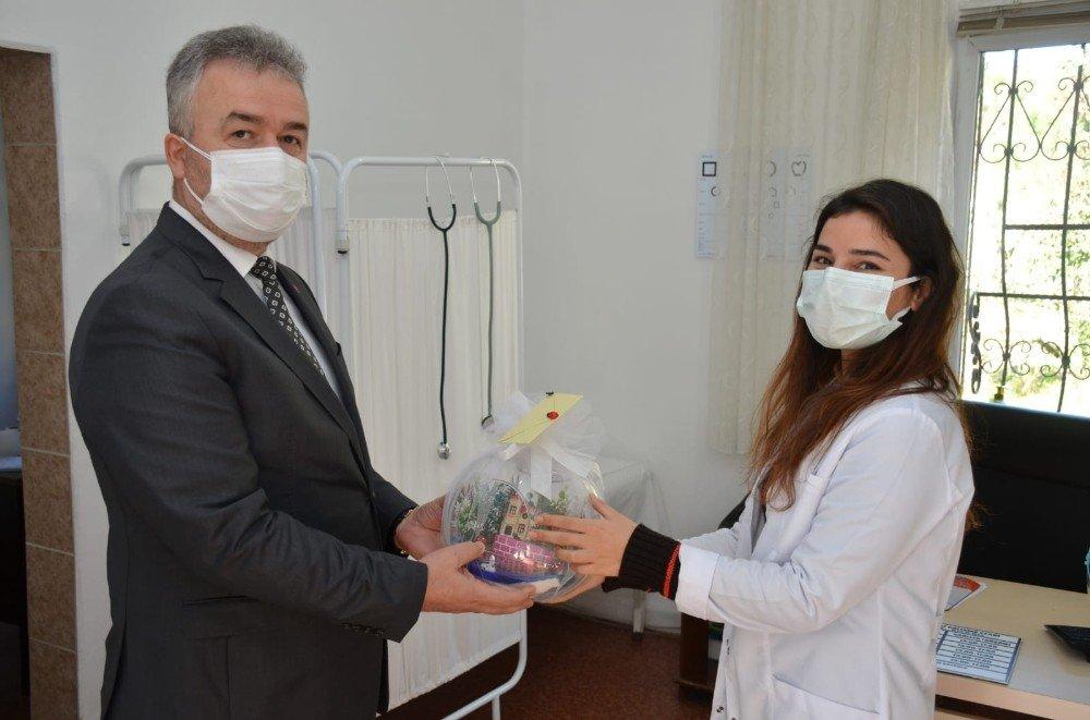 Başkan Topaloğlu'ndan Sağlıkçılara Vefa
