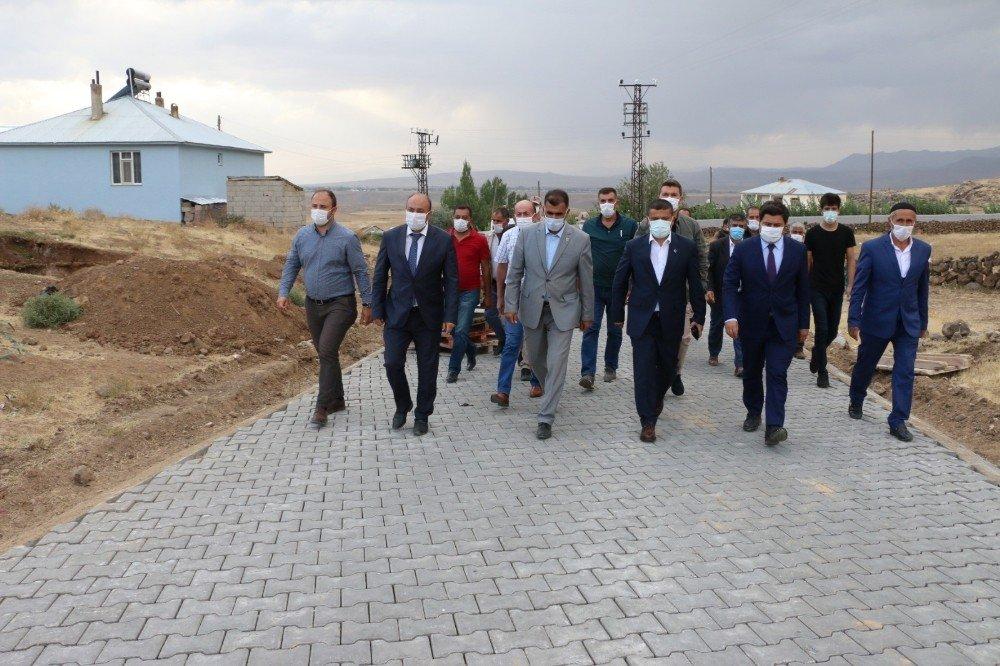 Erciş Belediyesi 2020 Yılında 230 Bin Metrekare Kilitli Parke Taşı Döşedi