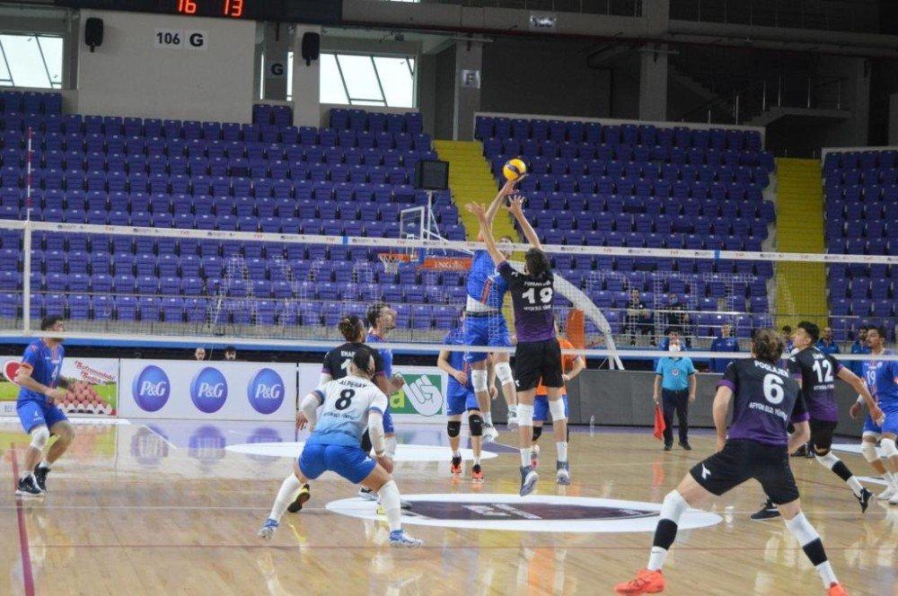 Efeler Ligi: Afyon Belediye Yüntaş: 3 - İ̇stanbul Büyükşehir Belediyespor: 1