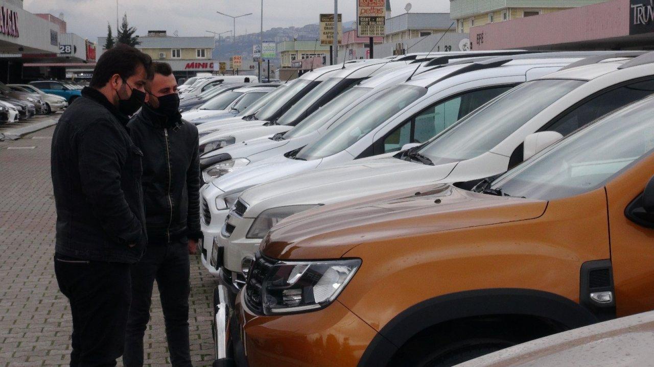 İ̇kinci El Araçlardaki Fiyat Artışının Sebebi İçin Galericilerden Şok İddia:
