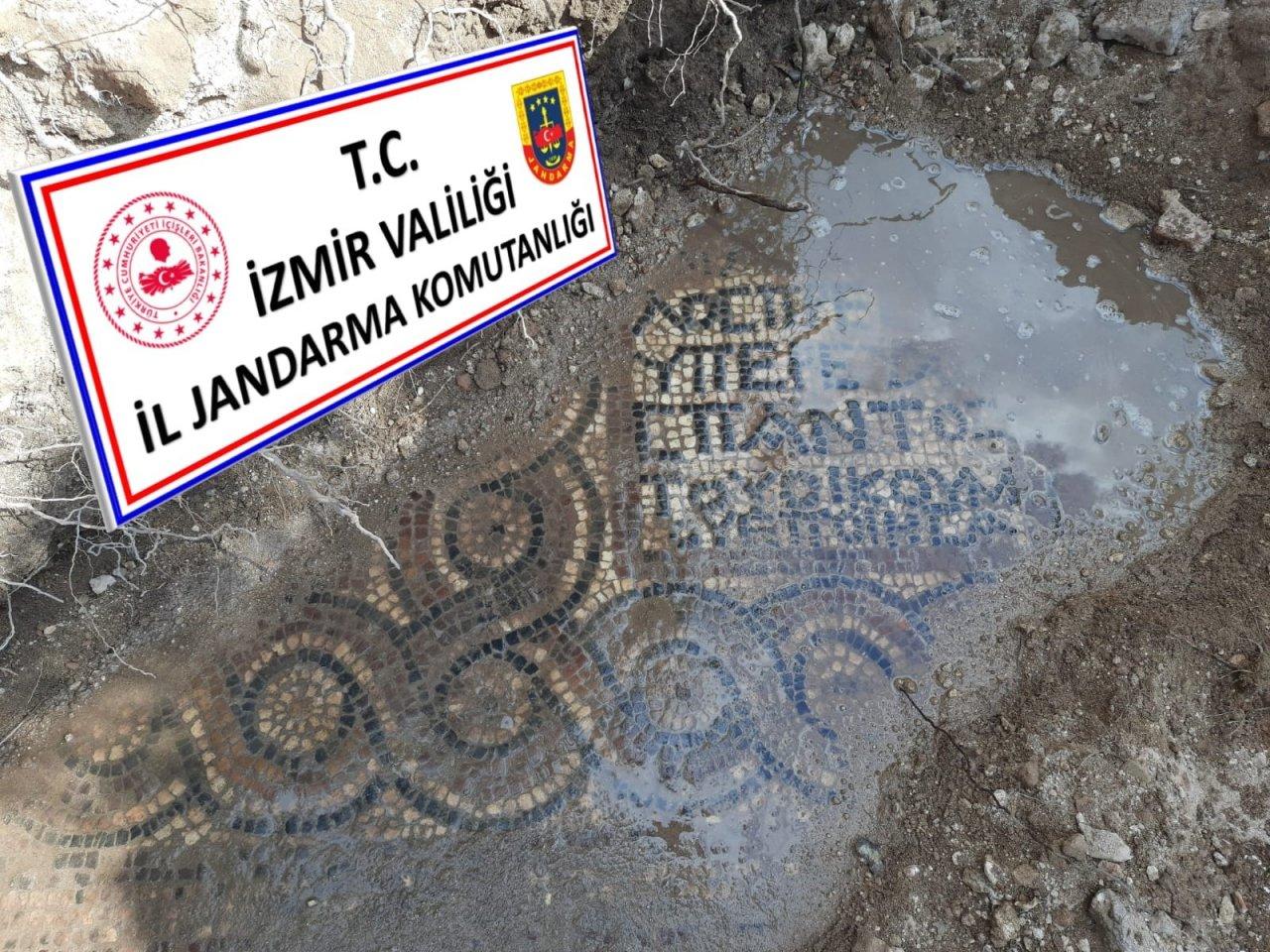 İ̇zmir'de Kaçak Kazı Operasyonunda Bin 500 Yıllık Mozaik Ve Manastır Bulundu