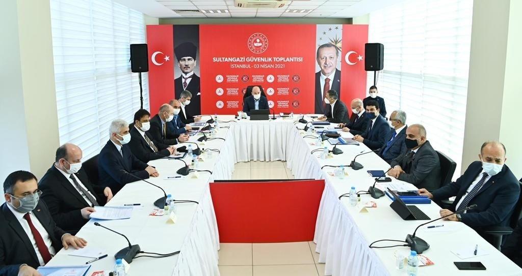 İ̇çişleri Bakanı Soylu, Sultangazi Güvenlik Toplantısına Katıldı