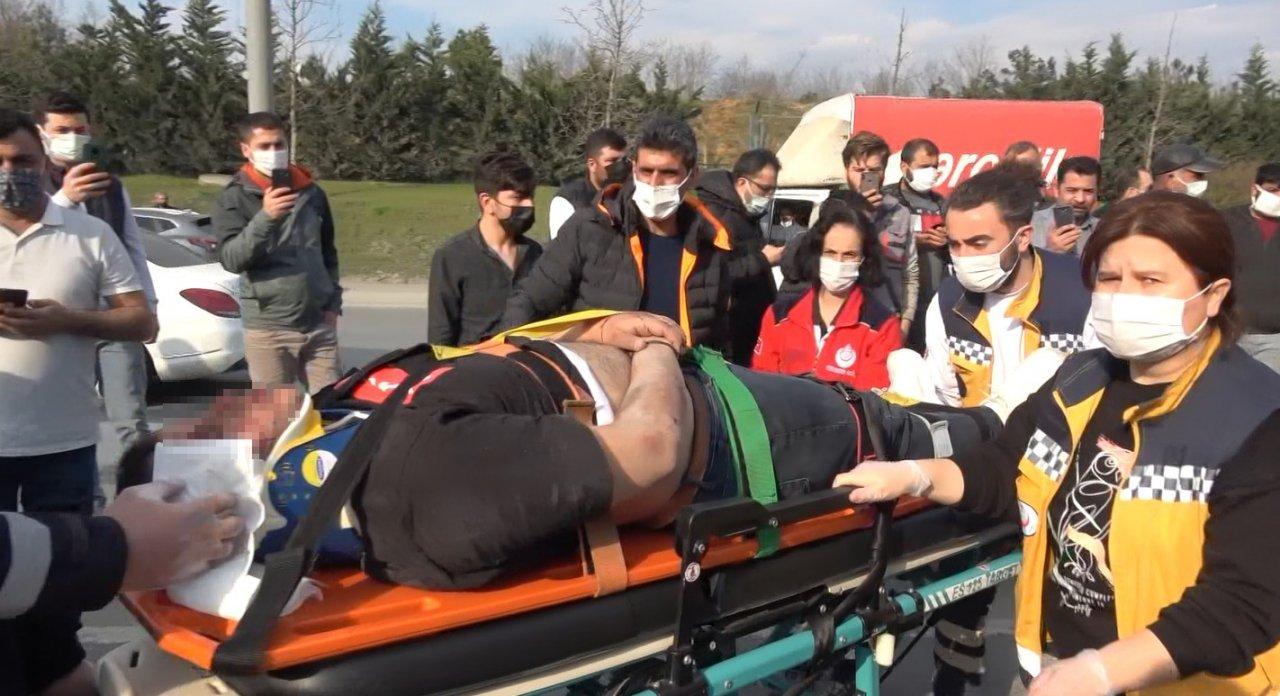 Hafriyat Kamyonu İle Otomobil Çarpıştı: 1 Yaralı
