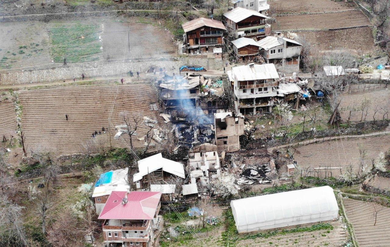 Artvin Ortaköy'deki Yangının Yaraları Sarılıyor