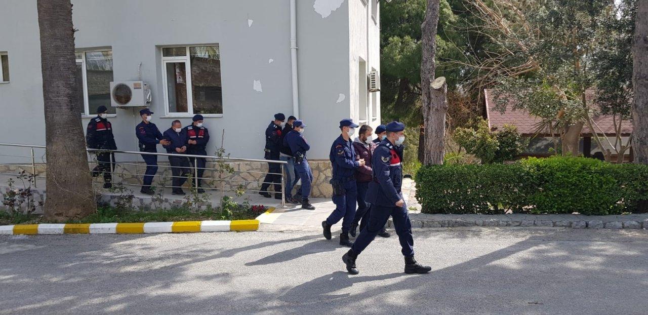 Fetö Üyelerini Yurt Dışına Kaçıran Organizatörler, Kaçak Göçmen Operasyonunda Yakalandı