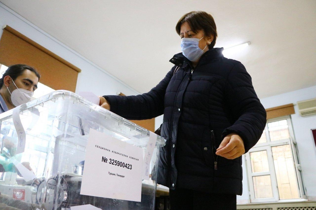 Trakya'daki Çifte Vatandaşlar Bulgaristan Seçimleri İçin Sandık Başında