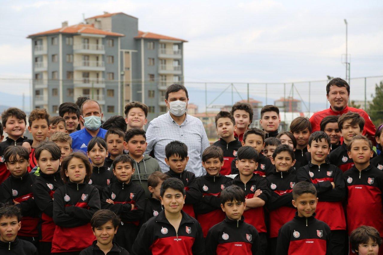 Mehmet Çakın, Uşaklı Genç Futbolcularla Bir Araya Geldi