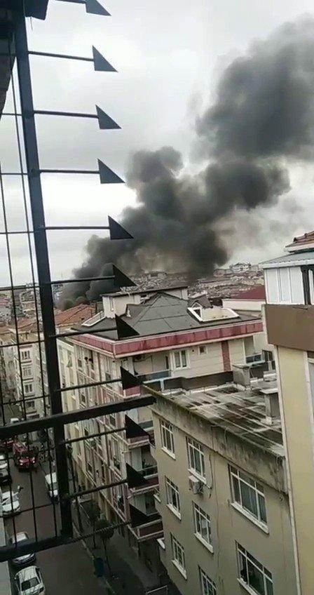 Bahçelievler'de Korkutan Çatı Yangını