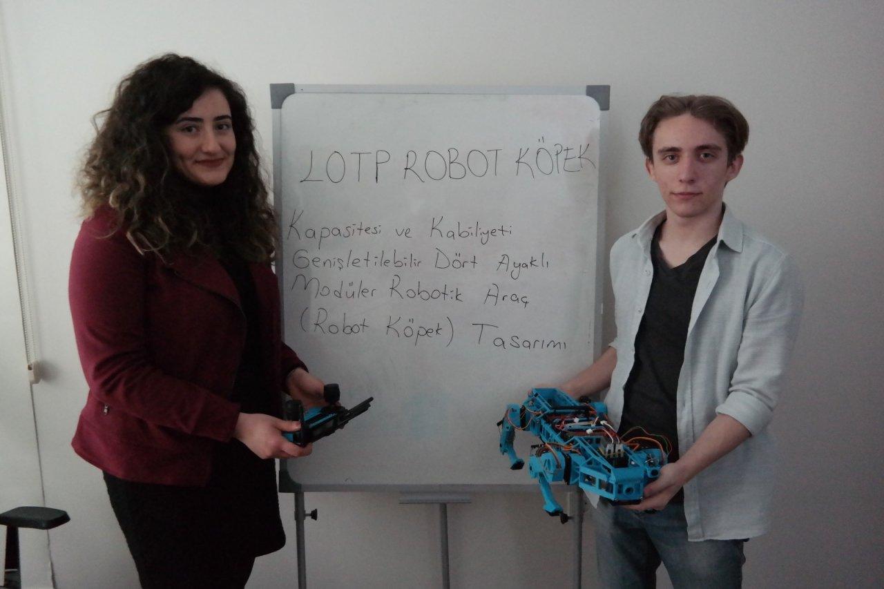 Lise Öğrencisi Geliştirdiği Robot Köpek İle Tübi̇tak Yarışmasında Türkiye Finalisti Oldu