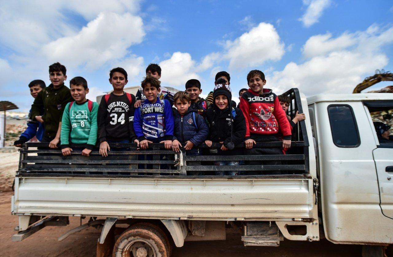 Suriye'de Çocuklar Tüm Zorluklara Rağmen Okula Gitmeye Devam Ediyor