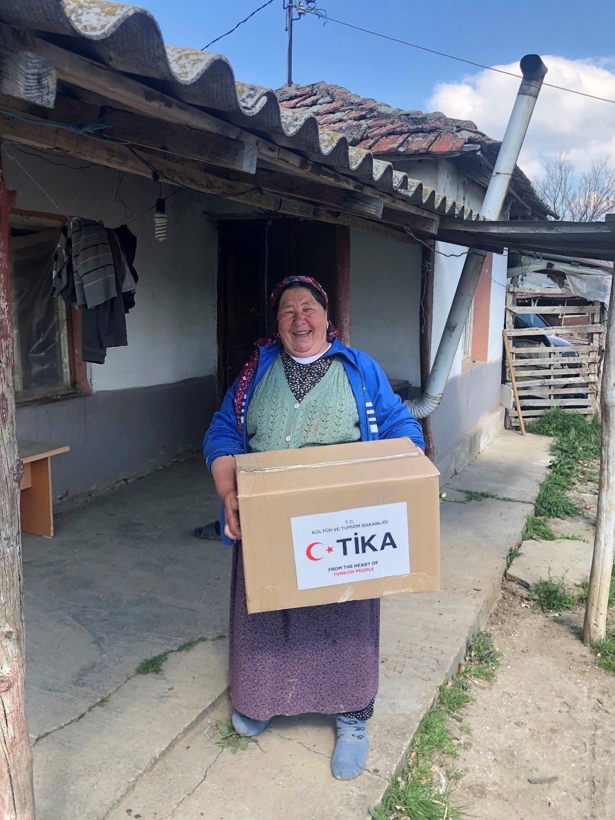 Ti̇ka'dan Doğu Makedonya'da Gıda Paketi Desteği
