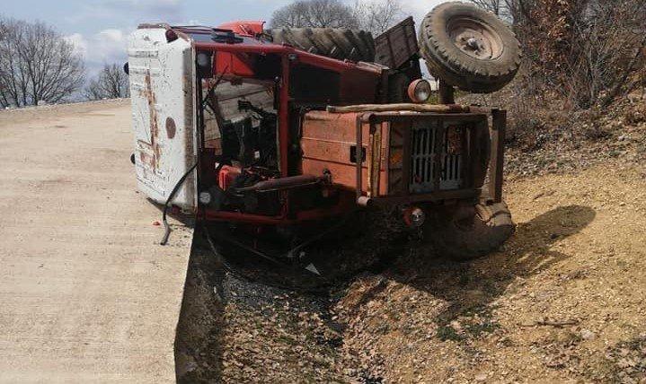Köy Muhtarlarından Kazalara Sebep Olan Beton Yola Tepki