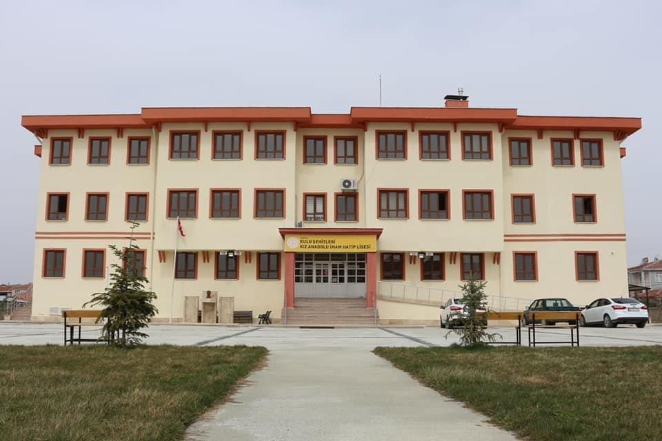Kulu'da 2 Okul Merkezi Sınavla Öğrenci Alan Proje Okulu Oldu