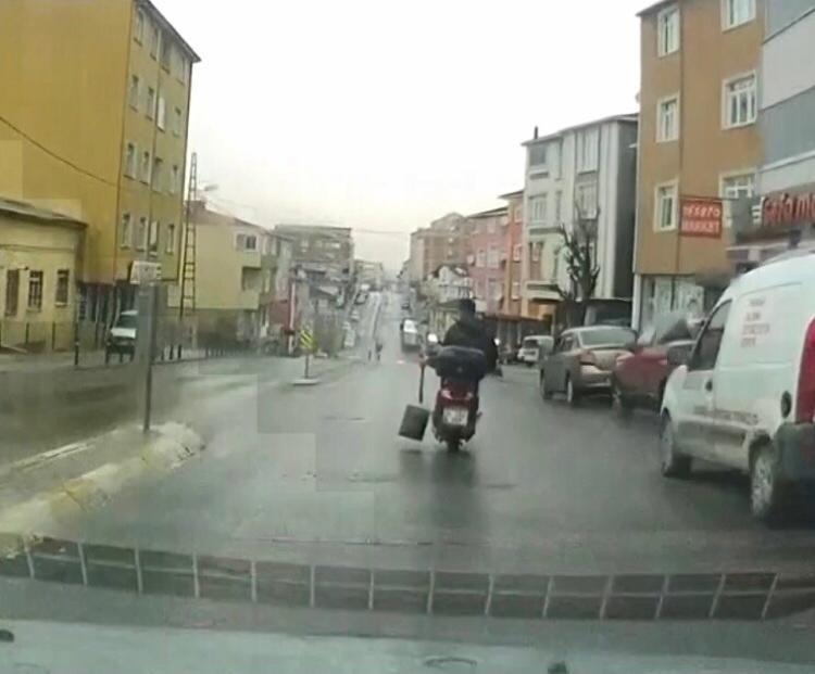 """Sultanbeyli'de Motosiklet İle """"seri Köz Getir"""" Yolculuğu Kamerada"""