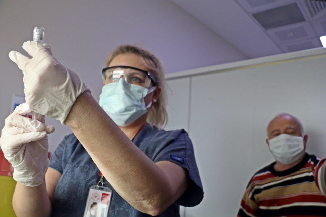 Ramazan'da Korona Virüs Aşısına İftar Düzenlemesi