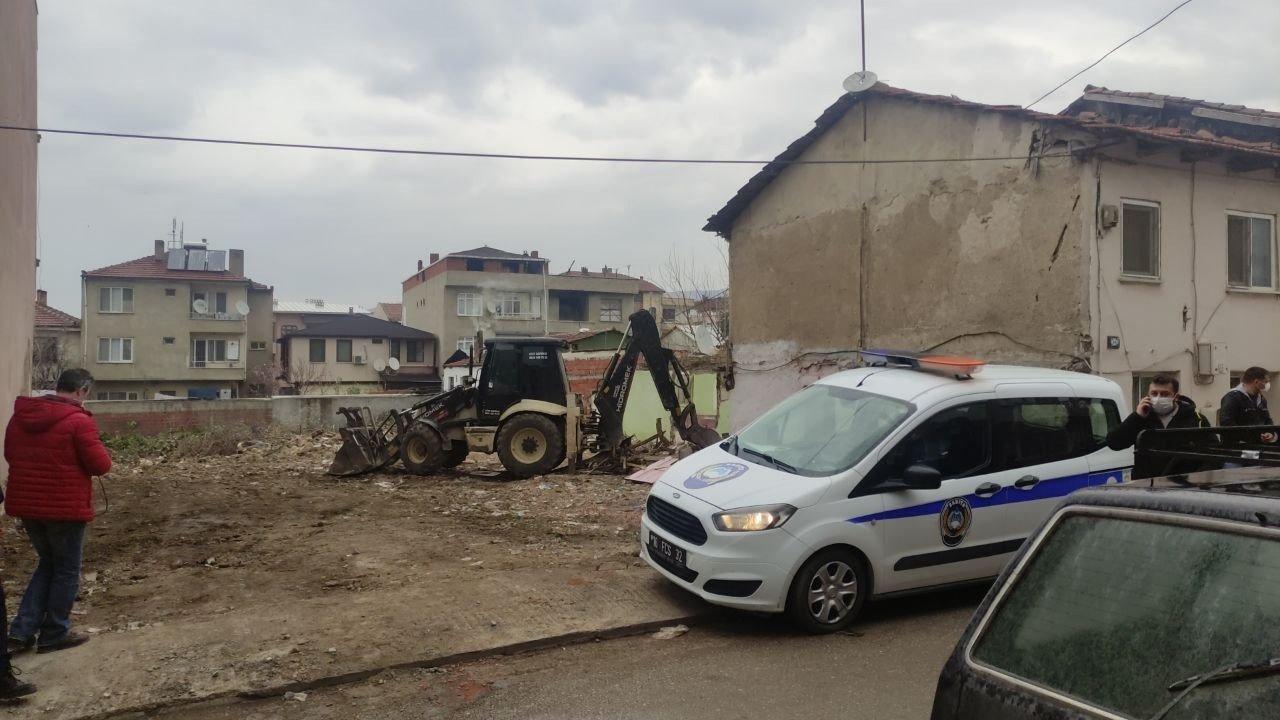 Bursa'da İzinsiz İnşaat Yıkımı Durduruldu