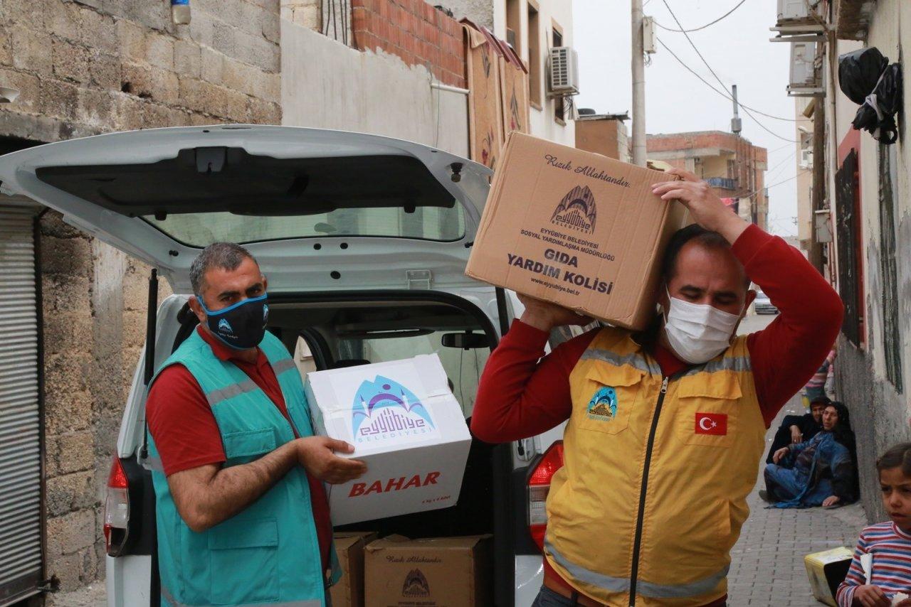 Eyyübiye'de Dar Gelirli Ailelere Ramazan Öncesi Gıda Yardımı